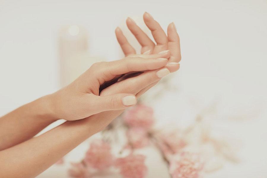 Faltenfreie Hand